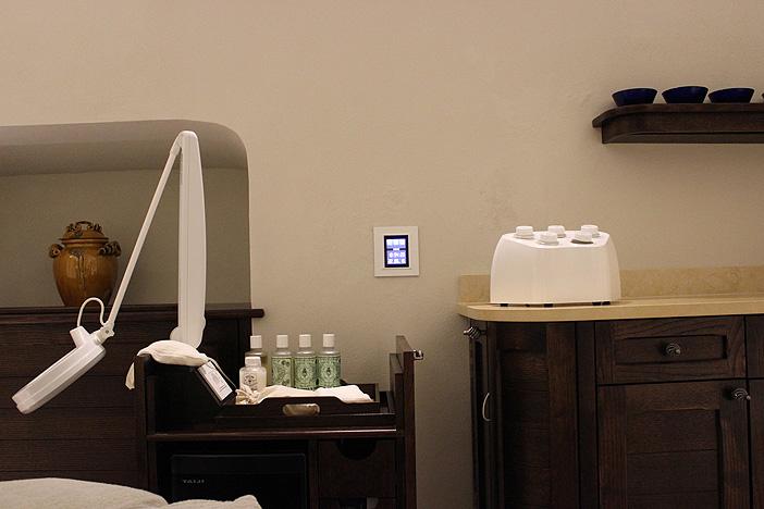I touch screen MyHome permettono di creare l'atmosfera ideale per ogni ospite