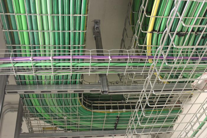 Le passerelle a rete Cablofil proteggono i cavi e agevolano l'attività di manutenzione