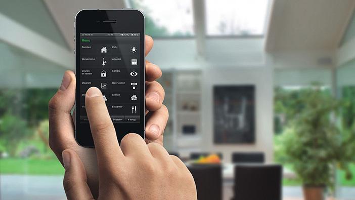 casa domotica: controllo smartphone