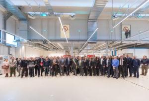 Foto di gruppo dell'inaugurazione del nuovo laboratorio UL a Carugate