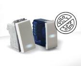 Gamma antibatterica AVE Domus 100: completa di placche, prese, interruttori tradizionali e a sfioramento